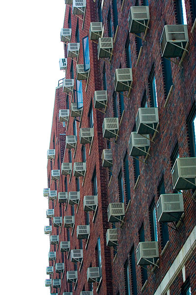 Air_conditioners_on_apartment_walls
