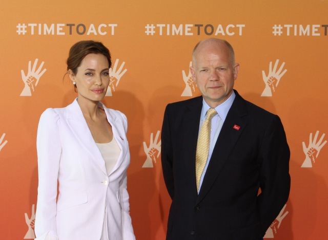 Angelina_Jolie_and_Foreign_Secretary_William_Hague_at_the_Global_Summit_to_End_Sexual_Violence_in_Conflict_2014-pr