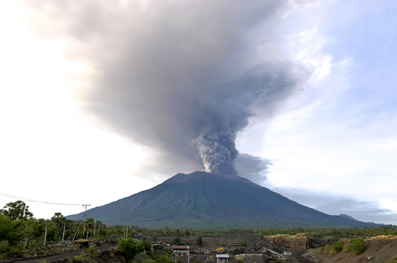 Ash plume over Mount Agung