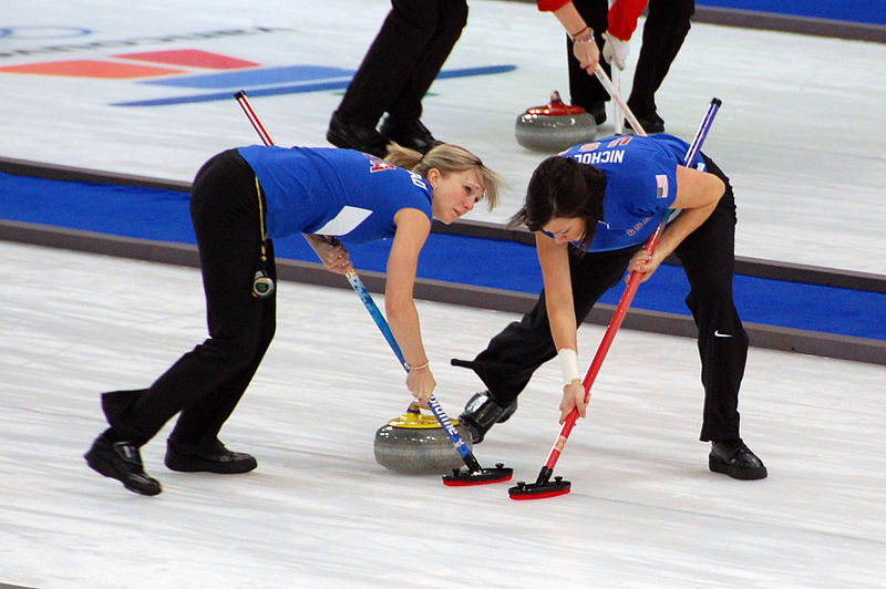 curling-sweeps